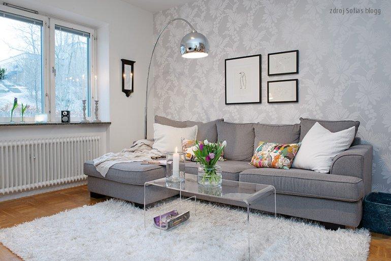 Tak a schválně, komu doma vřískají barvy všude kolem a kdo má onen decentní severský design...? ;) http://www.sverige.cz/bila-seda-aneb-svedsky-design/… #ikea #design #svedskydesign #skandinavskydesign #bila #sedapic.twitter.com/MKTDVlLsla