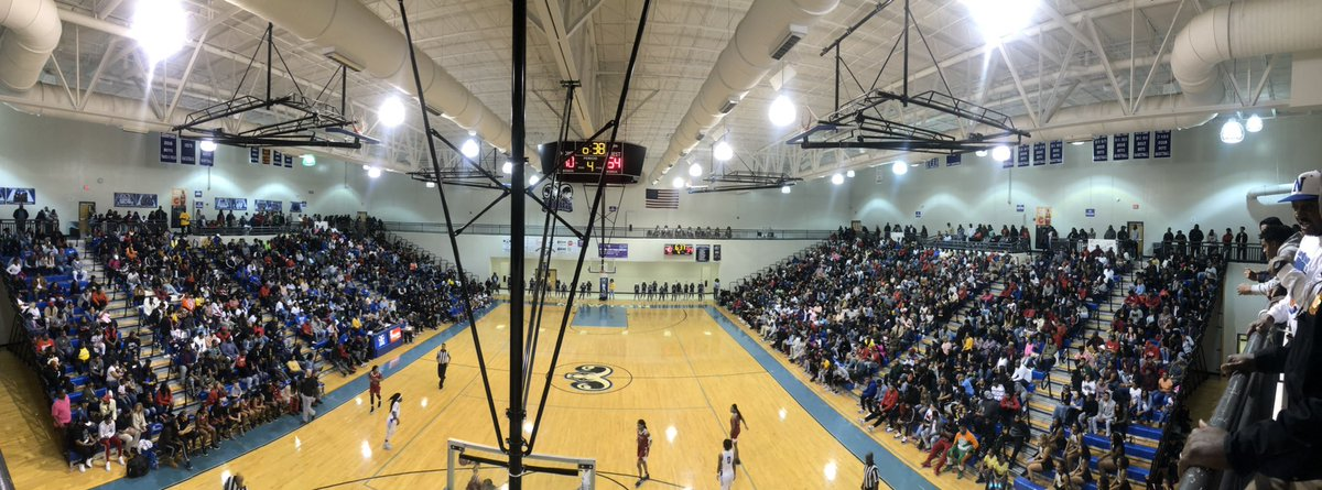 It's a packed house to see the @Newton_High Rams take on Morgan County! 🐑 🏀 #ramsrise