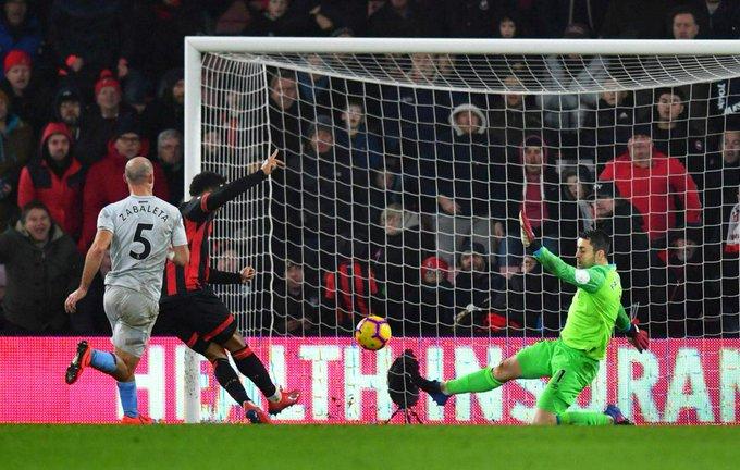 Wilson scores wonder volley as Bournemouth beat West Ham Foto