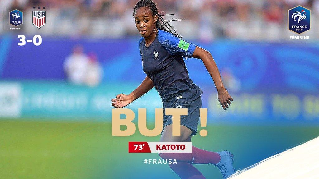 Ça fait 3-0 grâce au 1er but de @MarieKatoto en Bleue !! #FRAUSA