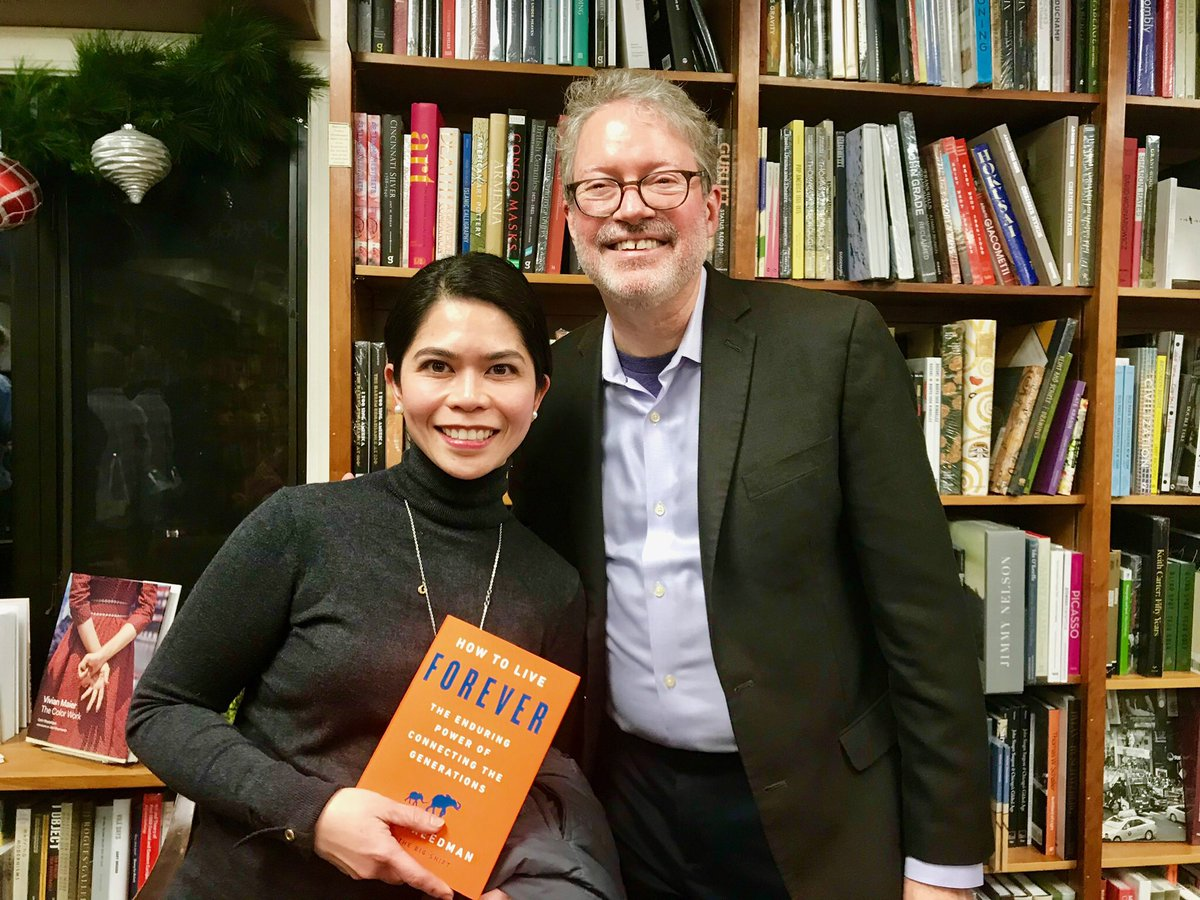 Great photo of @marc_freedman with our #A2DC Chapter Ambassador @mariella_zuniga. Such a wonderful evening hearing insights from the book #HowToLiveForever @Aging20