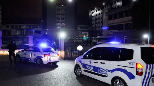 """İstanbul'da polis, taksiden indirdiği kadına tecavüz etti: Komiser, şikâyet için karakola gelen kadına """"Cezalarını ben vereceğim"""" diyerek tecavüzü örtbas etti http://t24.com.tr/haber/istanbulda-polis-taksiden-indirdigi-kadina-tecavuz-etti,803587…"""