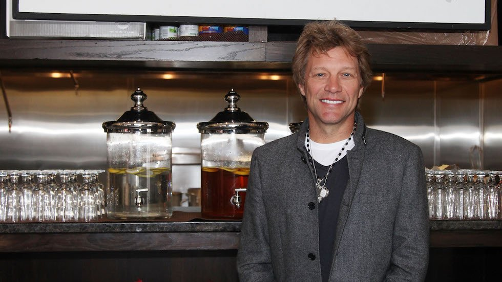 Bon Jovi's restaurant will serve free meals to furloughed federal employees https://t.co/ekTeb2WY93