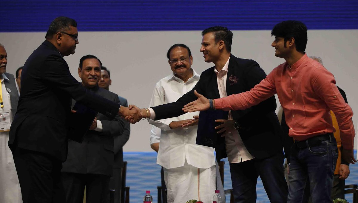 Actor Vivek Oberoi on stage at valedictory session of Vibrant Gujarat Summit; MoU signed with Global Studios