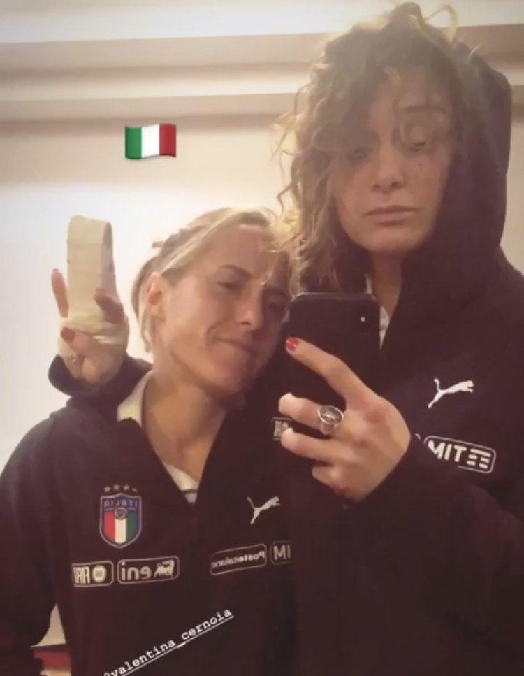 Vale & Gire 😏 #JuventusWomen