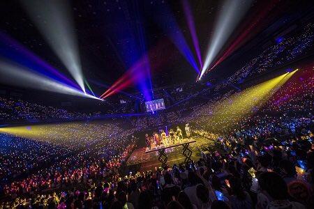「AAA FAN MEETING ARENA TOUR 2018~FAN FUN FAN~」チケット詳細決定!AAA Party一次先行は2/5(火)15:00~!1/29(火)23:59までに入会した方が申込み可能! ☆詳細はコチラ https://t.co/uOLGas8kbC