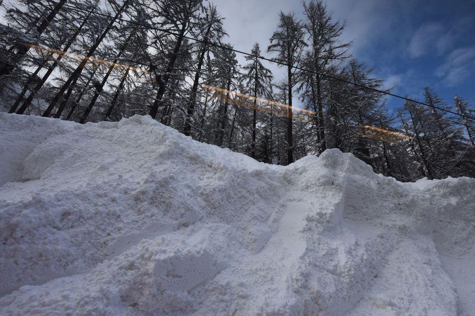 Un Français tué et deux autres blessés dans une avalanche dans les Alpes suisses https://www.parismatch.com/Actu/Faits-divers/Un-Francais-tue-et-deux-autres-blesses-dans-une-avalanche-dans-les-Alpes-suisses-1600561#utm_term=Autofeed&utm_medium=Social&xtor=CS2-14&utm_source=Twitter&Echobox=1547983535…
