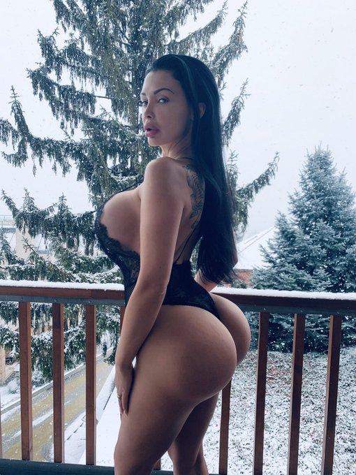 1 pic. Ice Queen https://t.co/VTxGhdJsME