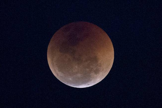 Curtain rising tonight on total lunar eclipse https://t.co/q6VvQSIGYJ