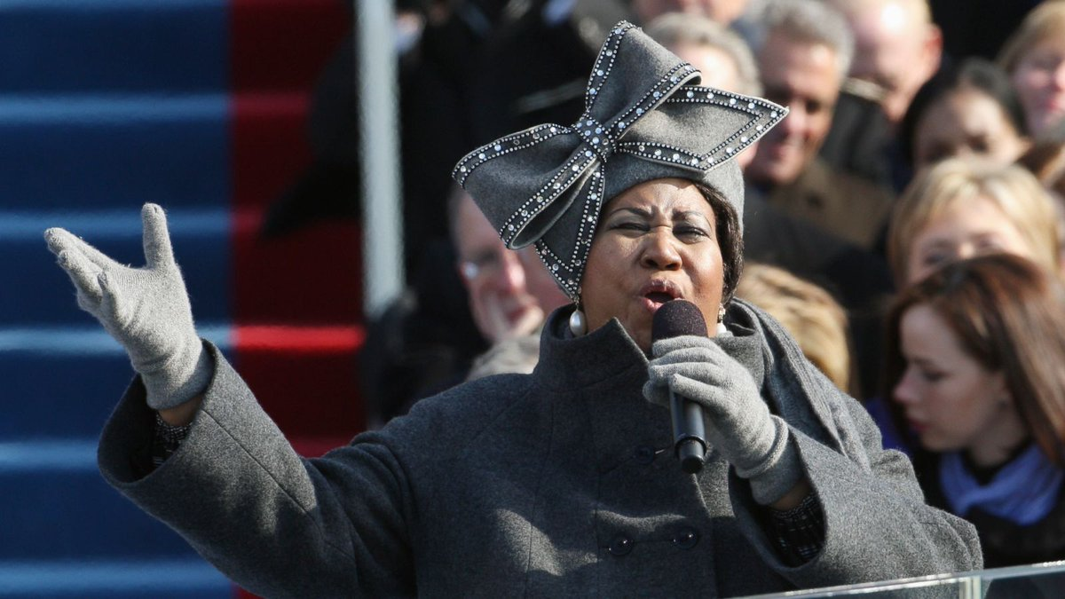 Watch Aretha Franklin singing My Country 'Tis Of Thee at U.S. President @BarackObama's inaugural address on this date January 20 in 2009: https://youtu.be/MJA1QRND3aw