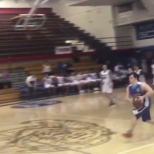 Andrew Regan, a special needs student, hit a buzzer beater and the crowd was loving it 🙏  (via @CCHSUNIFIED15)
