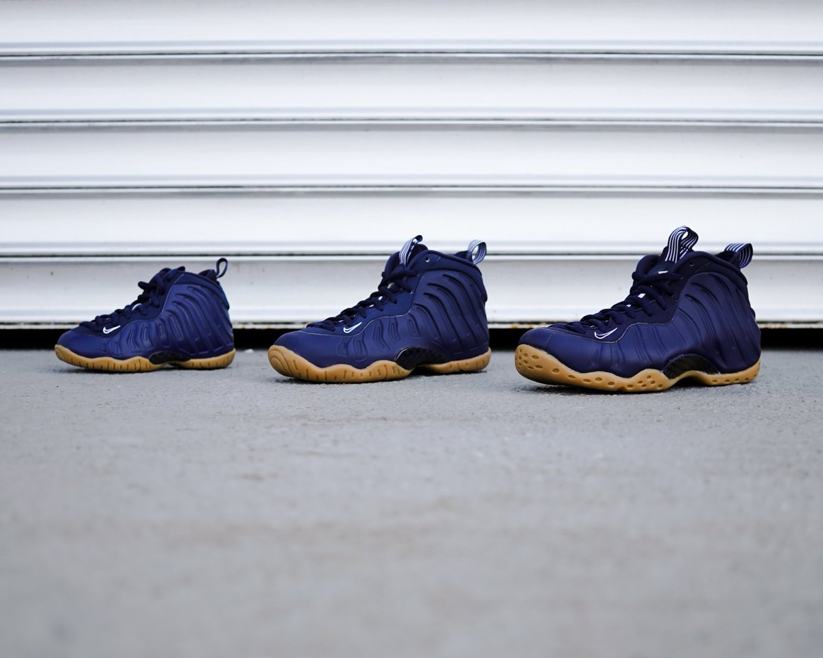 47f879e40f896 The Nike Air Foamposite One  Midnight Navy  in Men s ( 230)