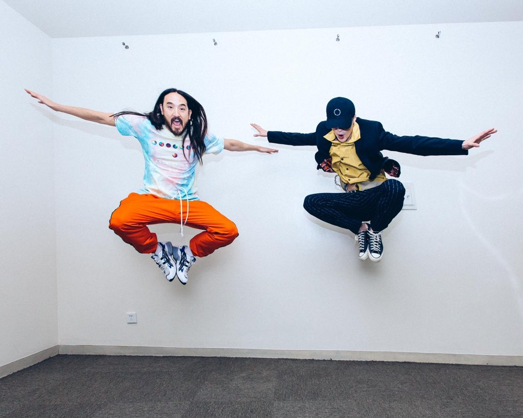 #aokijump #964. The Aoki x @layzhang Jump. Shanghai China ���� Jan 20 2019 https://t.co/GI7ppwumCX