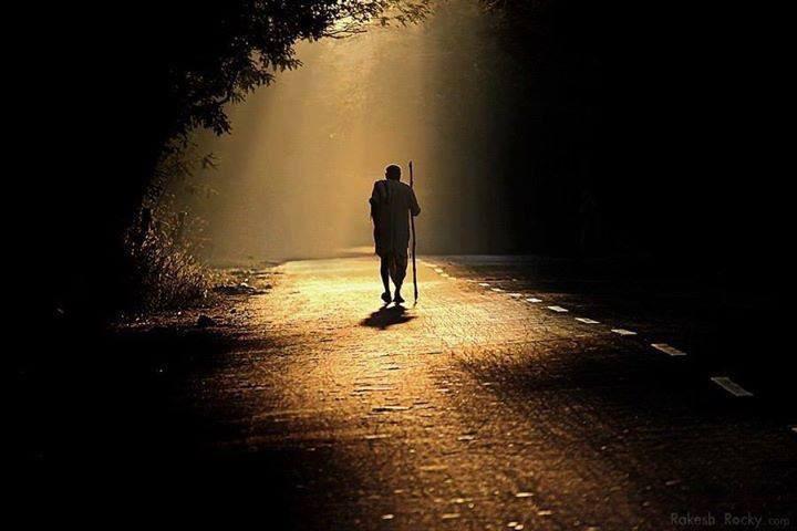 أكمل في الطريق الذي  انشرح صدرك له .. لا تتوقف لأن أحدهم نعته بالمظلم .. الطريق طريقك ..  والخطى خطاك ..  والنور في قلبك