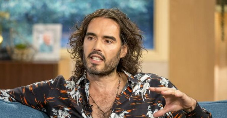 Russell Brand addresses his womanising past in the wake of #MeToo https://t.co/PIOzARThou