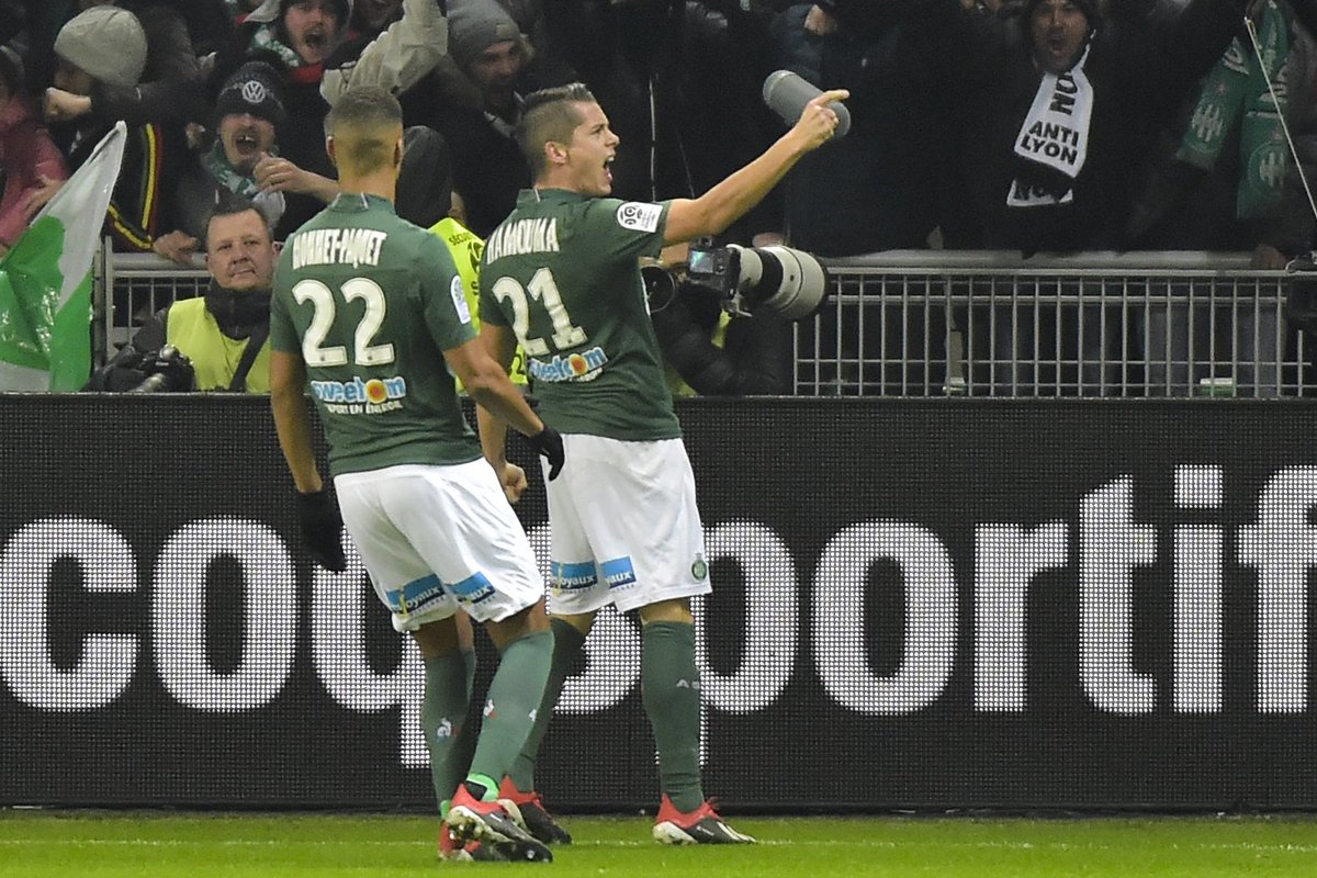 4 - Romain Hamouma has scored four goals in the derby with St Etienne, which is two more than the rest of ASSE squad combined (Debuchy x1 & Monnet-Paquet x1). Decisive.