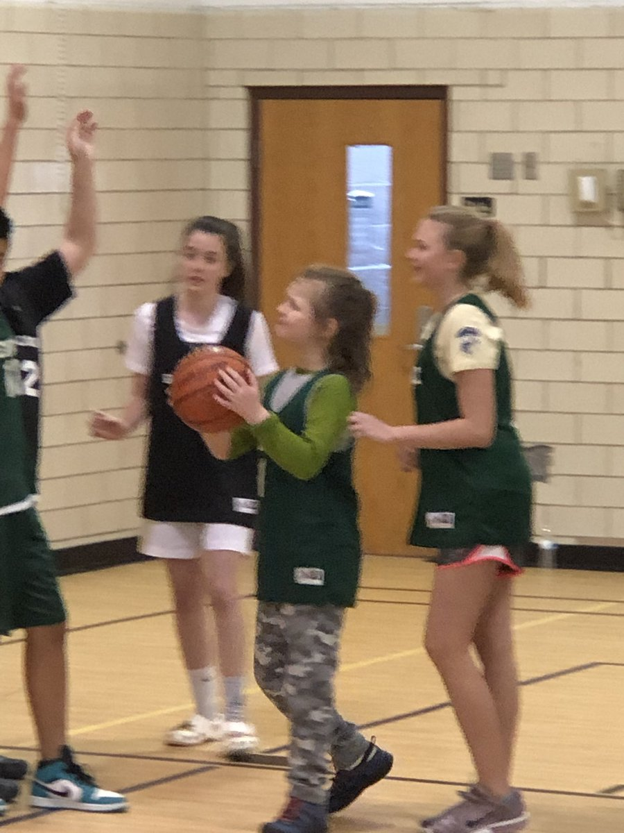 Fun afternoon watching <a target='_blank' href='http://twitter.com/APSKenmore'>@APSKenmore</a> Best Buddies play basketball!! <a target='_blank' href='http://search.twitter.com/search?q=APSisAwesome'><a target='_blank' href='https://twitter.com/hashtag/APSisAwesome?src=hash'>#APSisAwesome</a></a> <a target='_blank' href='http://twitter.com/bestbuddies'>@bestbuddies</a> <a target='_blank' href='https://t.co/vWRVHgQDMQ'>https://t.co/vWRVHgQDMQ</a>