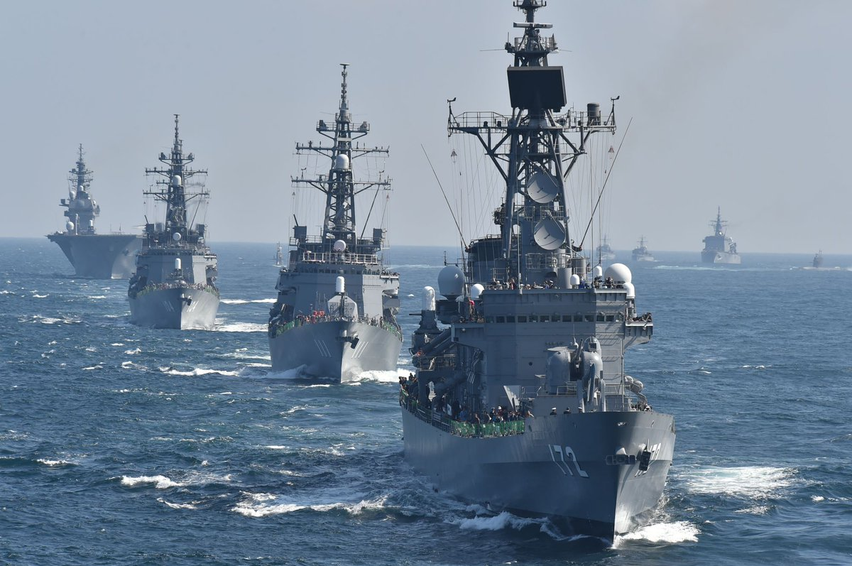 【自衛隊観艦式 ロゴマーク・キャッチフレーズ募集】 海上自衛隊では、今秋に予定している「2019年度自衛隊観艦式」のロゴマーク、キャッチフレーズを広く募集します。採用作品は、ポスターやパンフレットなどで広く使用しますので奮ってご応募ください。 応募要領はこちら⇒https://t.co/4iBO6hGD19