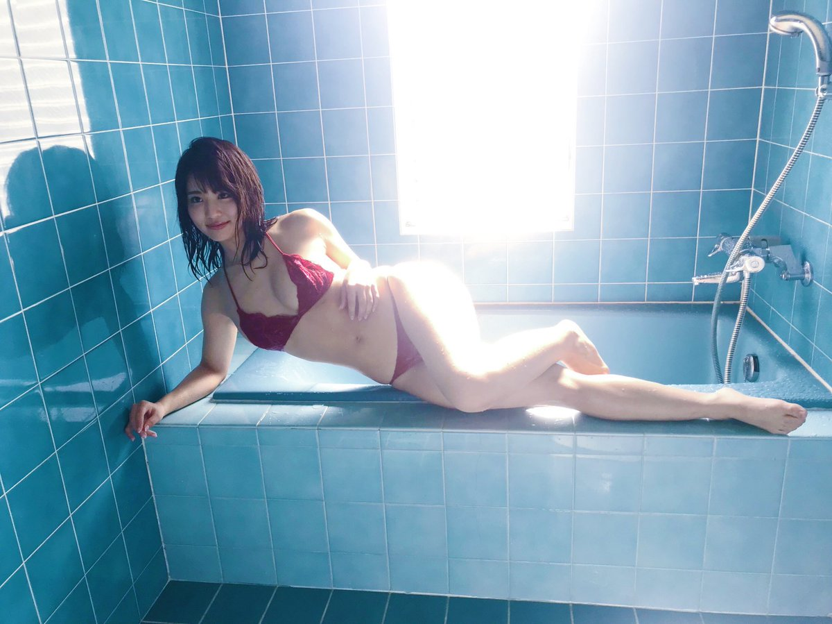 平嶋夏海 DVD「夏の急接近」 画像