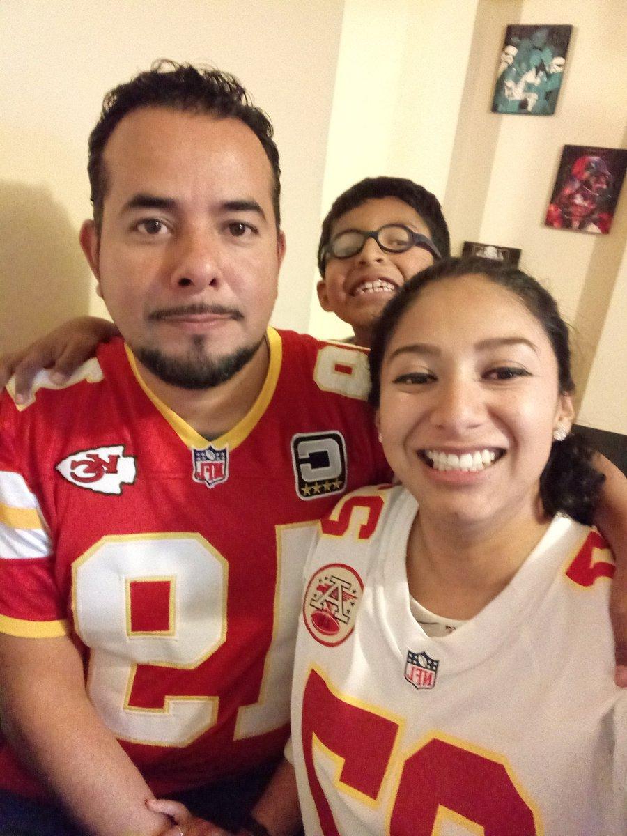 RT @DarcyGlz: #ChiefsvsPatriots #ritualnfl https://t.co/3drudQAk5J