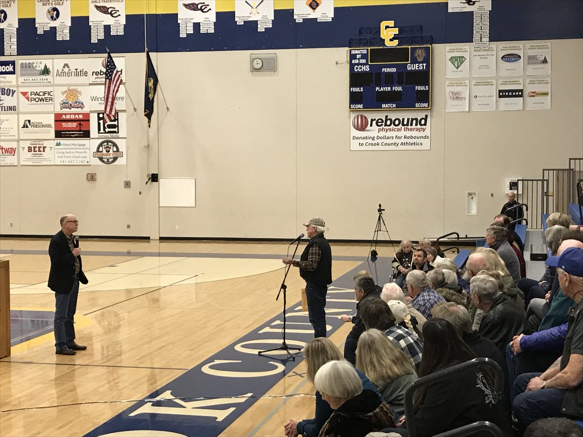 Protecting our Second Amendment rights, reopening the federal government, securing our borders, and bringing bipartisanship back to Washington, D.C. were all part of a good discussion in Prineville for my second town hall of the day.