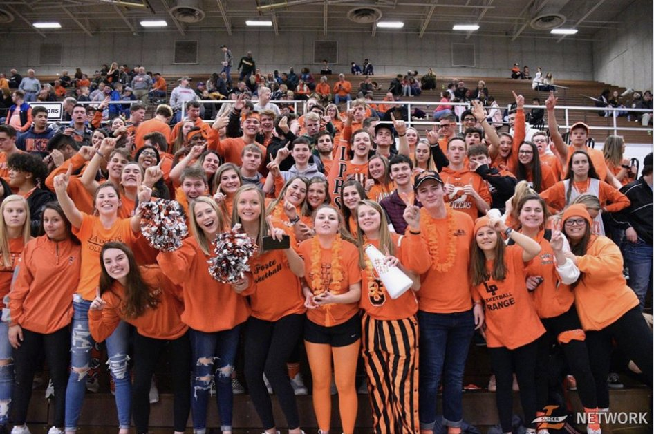 Now, THAT'S the #spirit! #SlicerNation #OrangeandBlack <a href='https://t.co/7PUZtMdezb' class='extra' target='blank'><i class='material-icons mdl-color-text--grey-400'>image</i></a>