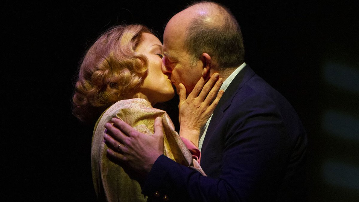 Theater Review: Humorist Calvin Trillin adapts his best-selling 2006 memoir about his late wife into a moving theatrical love letter in 'About Alice' https://t.co/HjBIkxlCDC