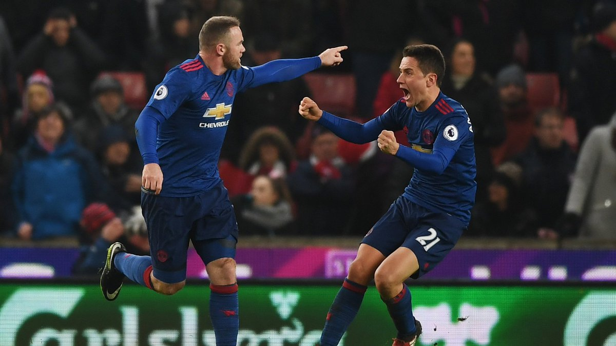 #OnThisDay in 2017, @WayneRooney scored his 250th Manchester United goal, overtaking @SirBobby and becoming the club's all-time record goalscorer with a last minute equaliser from a free-kick vs Stoke City. Fitting. #mufc #scfc