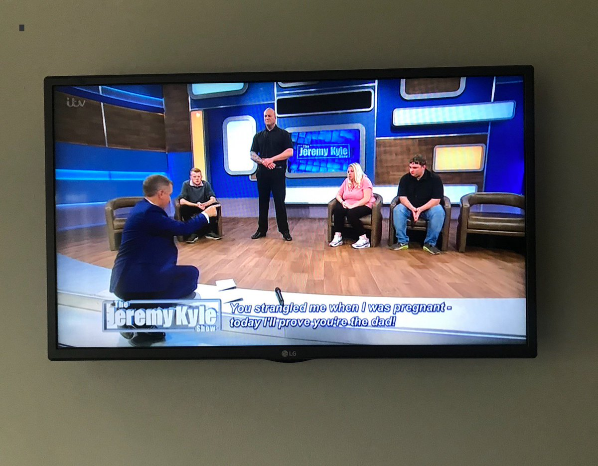 #jeremykyle Anyone else hoping that #DNA test comes back that he's NOT the #Father 🤭 🤞 could be best episode ever.. #925club #shouldbeworking