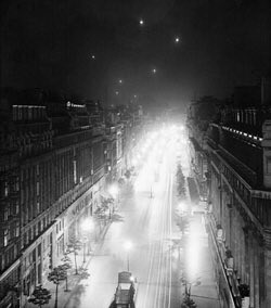 #OTD in 1807 Pall Mall in London became the first street to be illuminated by gaslight.