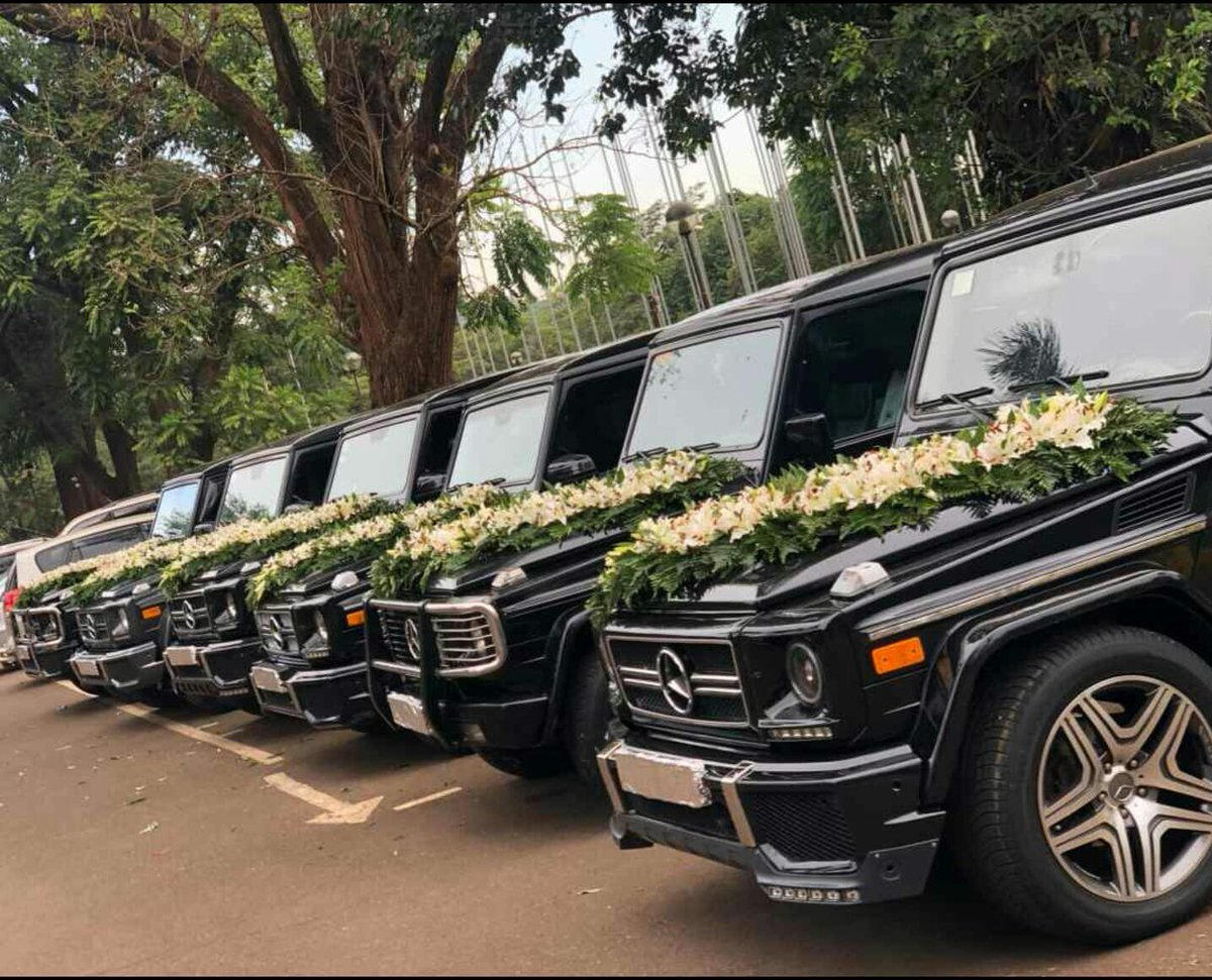 A wedding at Serena that cost about a billion. The bride is a PA to S Sudan president Kir while the groom is linked to the ambassador. They said deco alone cost 200 m... hired three halls at Serena for one week.