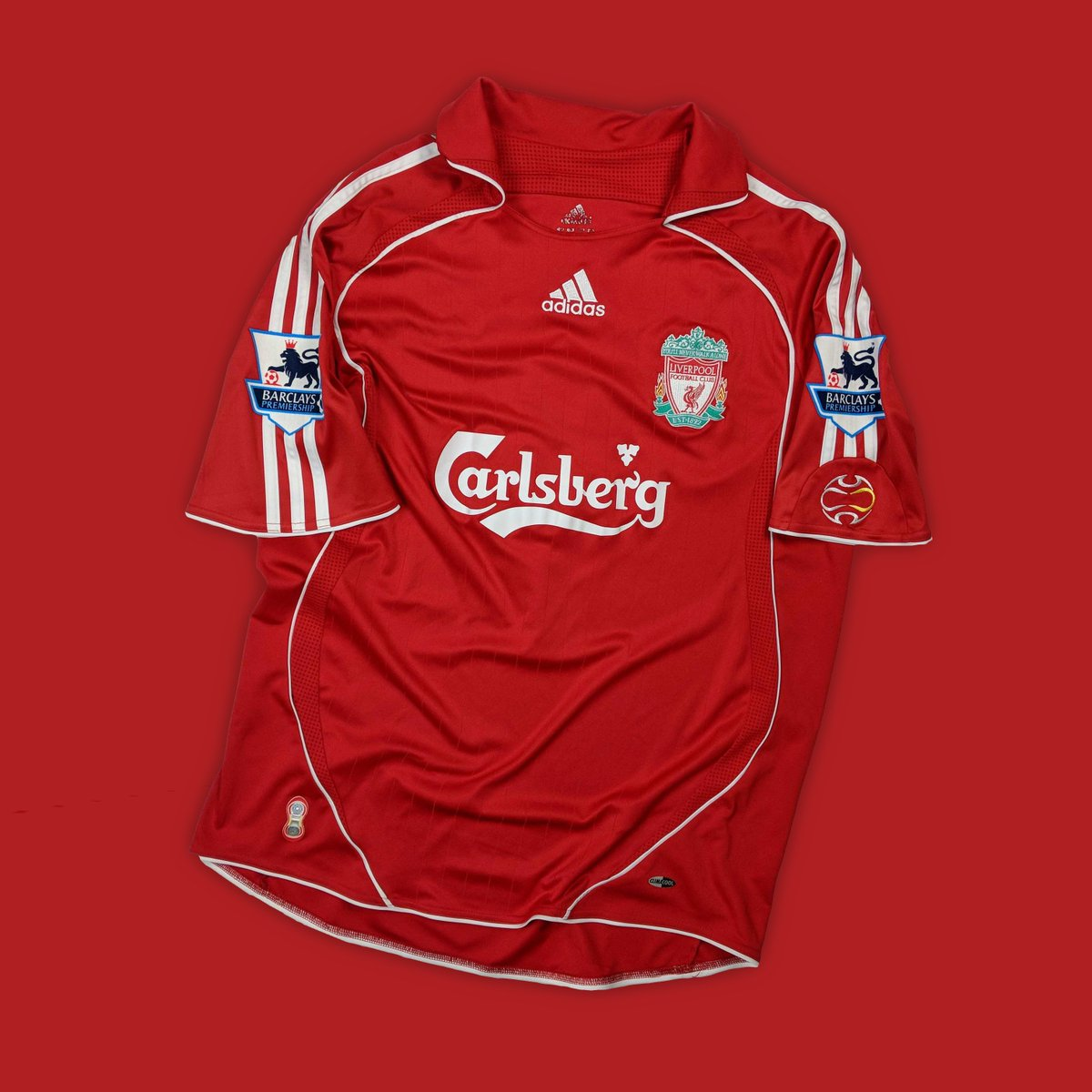 new products e00a2 009a8 Classic Football Shirts on Twitter: