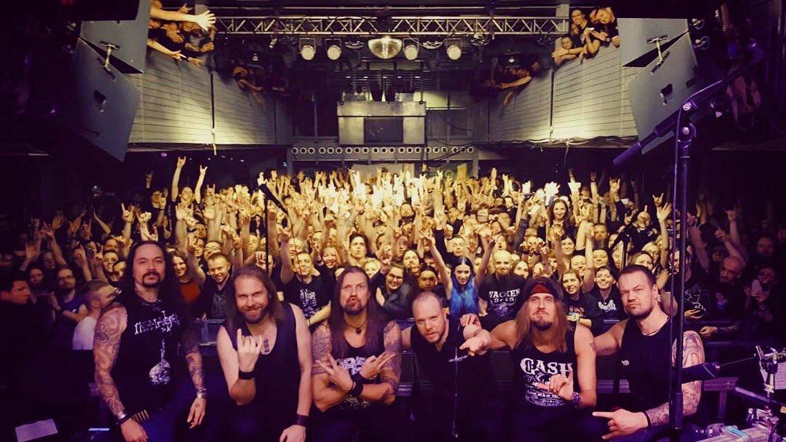 🇵🇱 Dziękuję Kraków! Full house of crazy fans🤘#amorphis #queenoftimetour #queenoftimetour2019 #kwadrat #soldout https://t.co/AU6Qxk9Iao