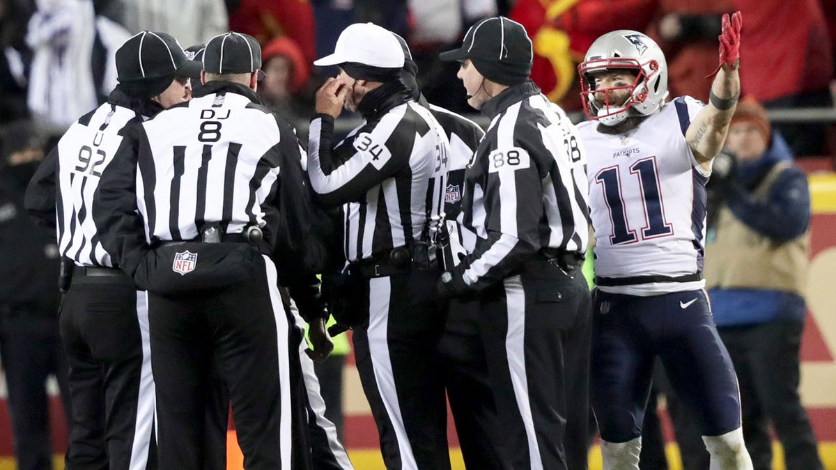 Patriots advance to Super Bowl amid more officiating drama.  MORE: https://t.co/0B1AifDMAC #NFLPlayoffs