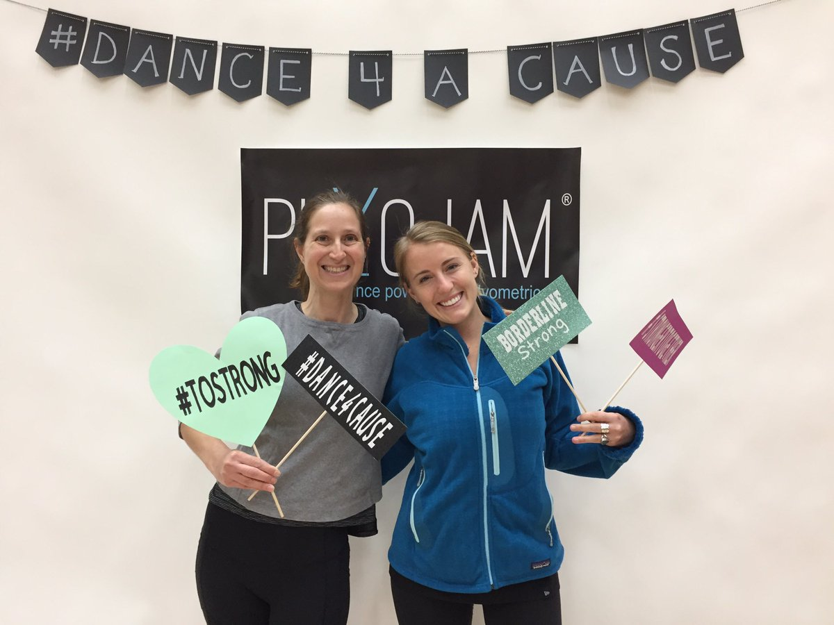 #dance4acause with #plyojam today while having fun and sweating for #WoolseyFire and boarderline12 at #agoura_high https://t.co/5vJL4rxB6D