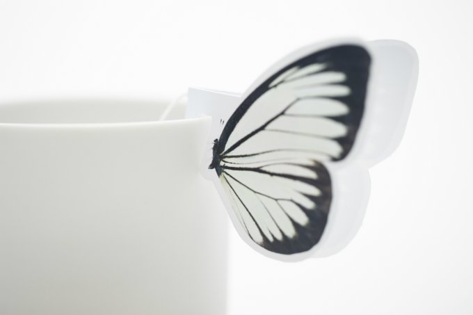 【お取り寄せ可】 ティーカップに蝶々が舞い降りる!優雅なティータイムに「バタフライティー」 ⇒https://t.co/JWqNwg8iYp こんなプチギフトをもらったらうれしい!つい撮りたくなっちゃう♡
