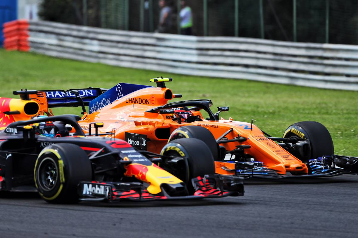 Daniel Ricciardo admits lack of competitive the only hurdle to a McLaren move - https://t.co/hfADrUnJoj #F1 https://t.co/t5kNZrFn6k