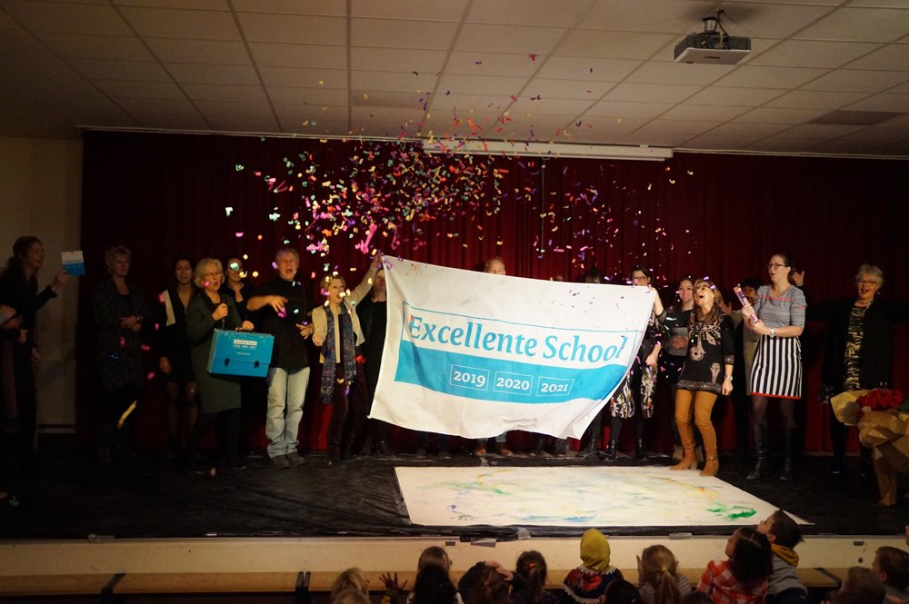 test Twitter Media - Predicaat Excellente School voor @stgStroomm-scholen OBS De Spelelier en @obsdeBolster #excellentescholen https://t.co/JMyEFBOzV2 Gefeliciteerd! #trots https://t.co/QpWOCZCH5E