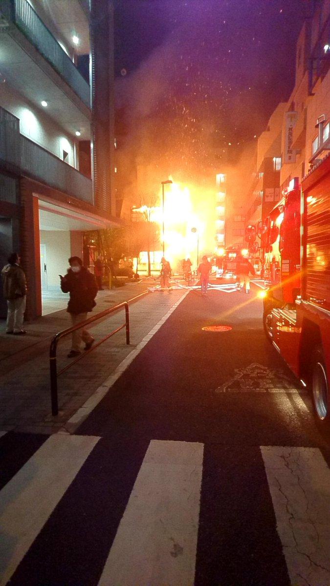 千代田区神田淡路町で火事が起きている現場画像