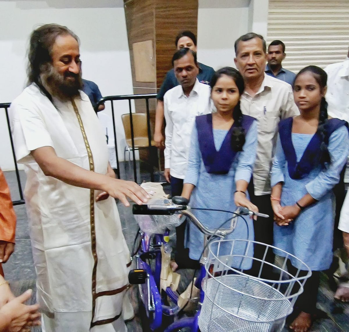 Inaugurated Project Parivartan, an @ArtofLiving initiative in association with gov of Telangana, to distribute 10,000 cycles to gov school students in underprivileged areas. The drop out rate after 5th grade is >68%. This initiative will encourage students to continue studying.