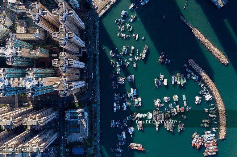 AFP presents a photoessay of 32 images by photographer Dale de la Rey of aerial views across Hong Kong 📸 @daledelarey More pictures on AFPForum :  http://u.afp.com/JZs7