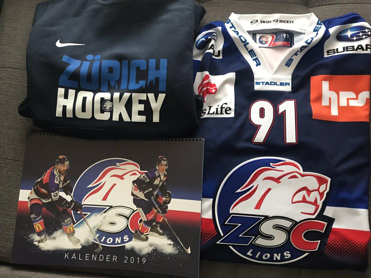 Un cadeau de Noël un peu en retard! Hopp @zsclions ! Mir sind Züri 💙 #Zurich #hockey https://t.co/BHBG2ZMv8F