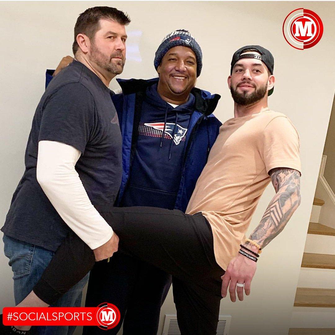 #SocialSports Pedro Martínez 🇩🇴, Jason Varitek y Blake Swihart en la noche de ayer disfrutando del partido de los #Patriots