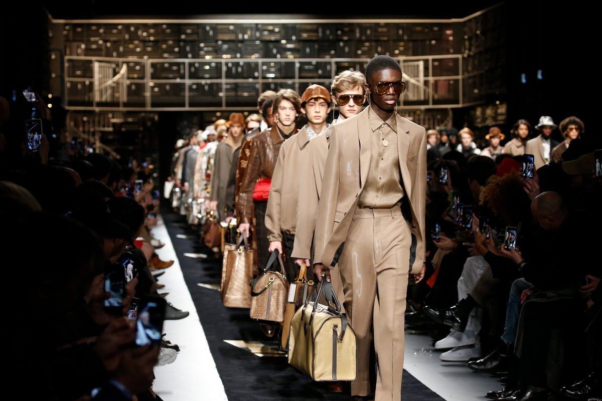 Lvmh On Twitter During Milan Fashion Week Fendi Presented A Striking Men S Fall Winter 2019 2020 Collection The Fruit Of Collaboration Between Silvia Venturini Fendi And Karl Lagerfeld The Maison S Two Creative Directors Https T Co U374nhlqfh