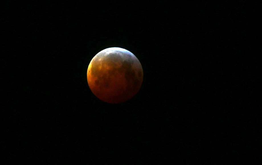 times union on twitter did you brave the cold to see the lunar eclipse lori van buren did curleypic https t co utr92a2mnv twitter