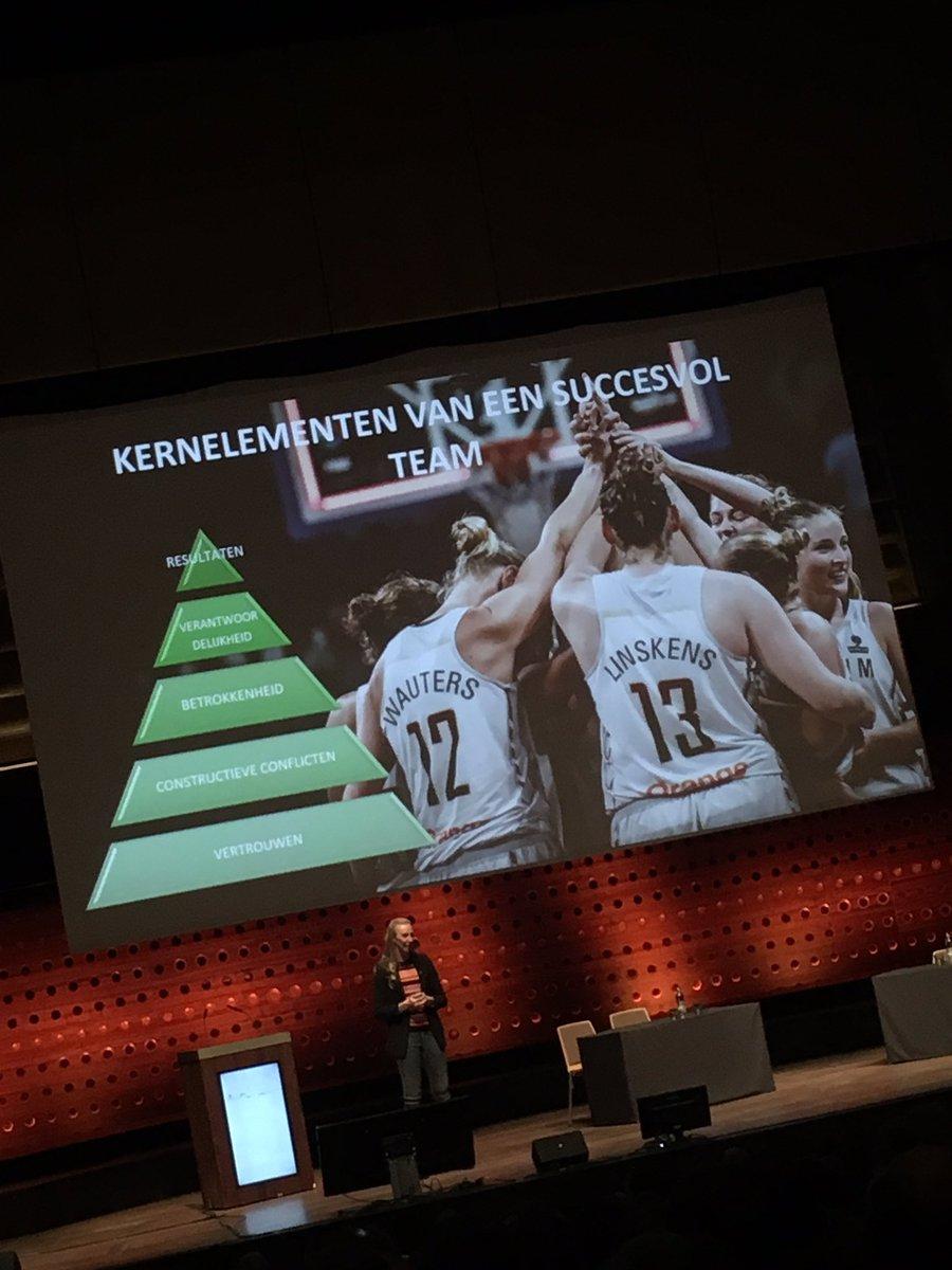 We leren van @AnnWauters12 over succesvol team. De gewonnen titels zijn leuk, de verloren matchen zijn de beste leermomenten..  En.. soms haal je een resultaat niet door een ego's..  Ga er samen voor!  Ga je er ook voor als niemand kijkt? En Leiderschap! #lokalestart #Startfeest