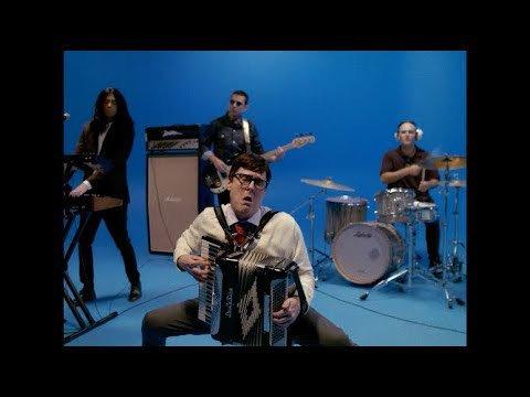 test ツイッターメディア - 🔗🎶 たまらん❢ Weezer - Africa (starring Weird Al Yankovic) https://t.co/hQvdAcNShw https://t.co/fQv1EylNyN