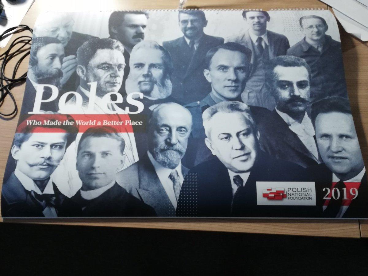 Piekny kalendarz od @Fundacja_PFN pt Polacy, ktorzy zmienili swiat na lepsze. Kilkanascie sylwetek niezwyklych rodakow. I tylko jedno pytanie sie nasuwa. Czy nie bylo niezwyklych POLEK?