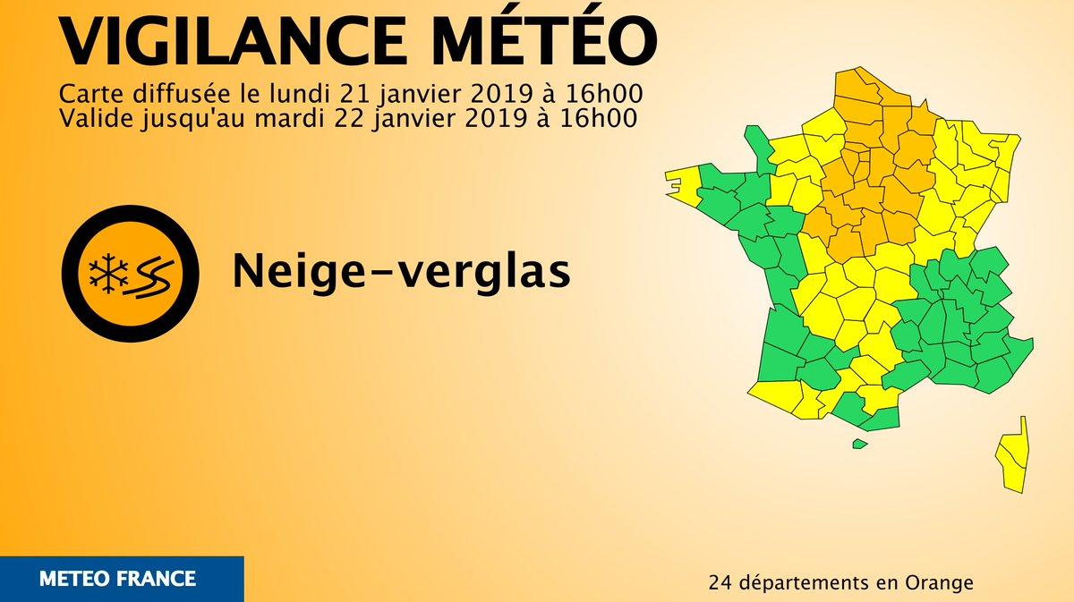 Lille : Premières chutes conséquentes de neige sur les Hauts-de-France DxcYIflXQAAsVhh