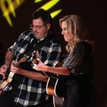 Image for the Tweet beginning: Vince Gill and Sheryl Crow